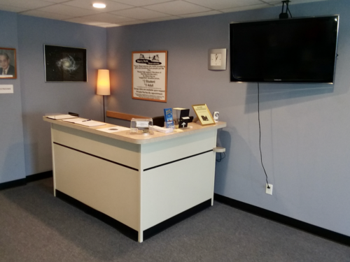 Guest welcome and sign-in desk